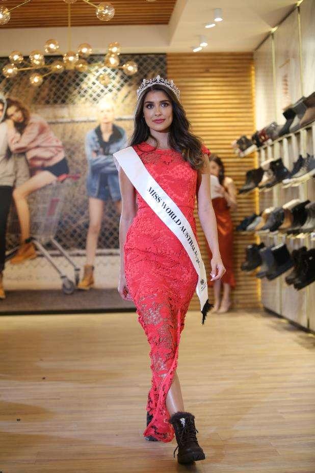 Miss World Australia 澳洲冠军Taylah Cannon 产品展示.JPG