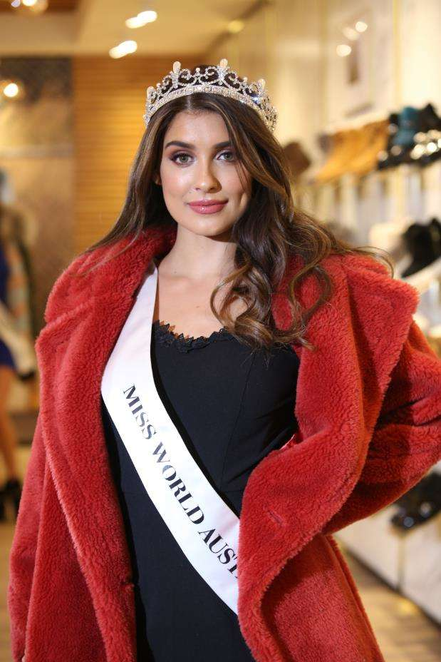 Miss World Australia 澳洲冠军Taylah Cannon产品展示.JPG