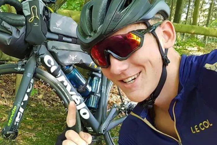 18岁英少年骑自行车环游世界!终于到达澳洲 然后自行车被偷了