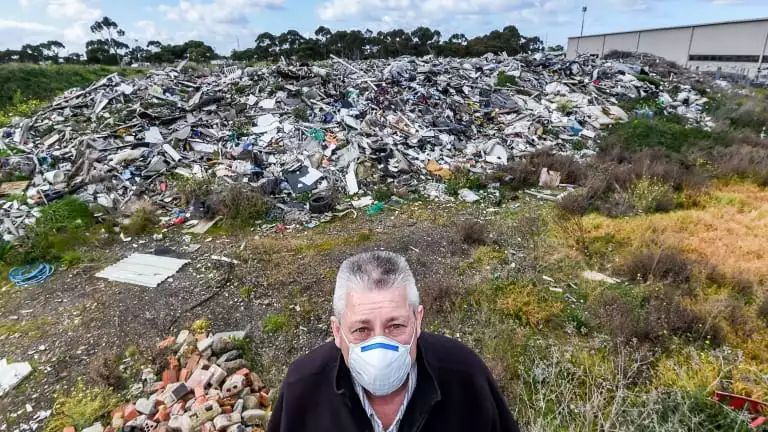 垃圾成堆!墨尔本西区居民被恶臭折磨多年 现在终于有救了