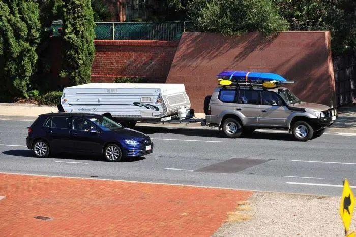 无视禁令!复活节假期,澳洲各大景点人从众!维州车流如织